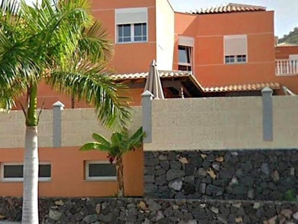 Villa for Sale in Los Cristianos